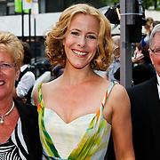 NLD/Hilversum/20100607 - Musicalawards 2010, Maaike Boerdam en ouders