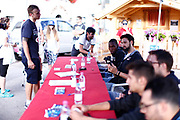 Biligha Paul Stephan<br /> Raduno Nazionale Maschile Senior<br /> Autografi con tifosi<br /> Folgaria, 27/07/2017<br /> Foto Ciamillo-Castoria/ M. Brondi