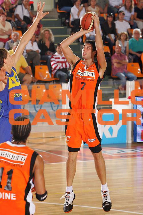 DESCRIZIONE : Udine Memorial Rino Snaidero Precampionato Lega A1 2006-07 Snaidero Udine Khymky Mosca <br /> GIOCATORE : Zacchetti <br /> SQUADRA : Snaidero Udine <br /> EVENTO : Memorial Rino Snaidero Precampionato Lega A1 2006-2007 <br /> GARA : Snaidero Udine Khymky Mosca <br /> DATA : 24/09/2006 <br /> CATEGORIA : Tiro <br /> SPORT : Pallacanestro <br /> AUTORE : Agenzia Ciamillo-Castoria/S.Silvestri <br /> Galleria : Lega Basket A1 2006-2007 <br /> Fotonotizia : Udine Memorial Rino Snaidero Precampionato Italiano Lega A1 2006-2007 Snaidero Udine Khymky Mosca <br /> Predefinita :