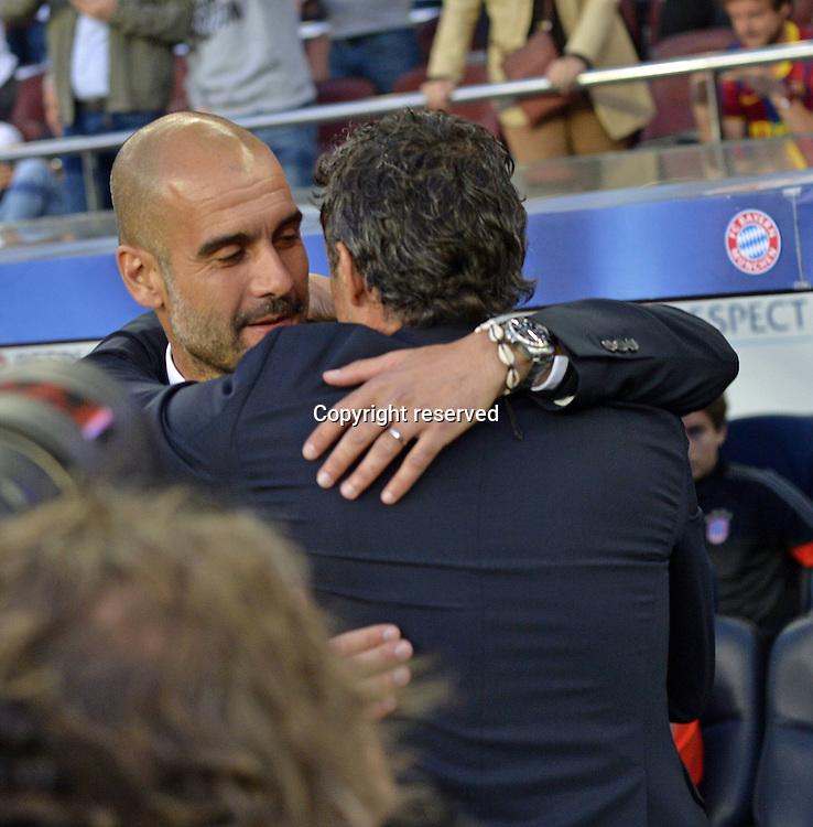 06.05.2015. Nou Camp, Barcelona, Spain, UEFA Champions League semi-final. Barcelona versus Bayern Munich.  Trainer Pep Guardiola ( Bayern Munich)greets Trainer Luis Enrique (Barcelona).