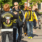 NLD/Amsterdam/20150618 - Voorvertoning Satudarah – One Blood documentaire, Michel Boer word verwelkomt