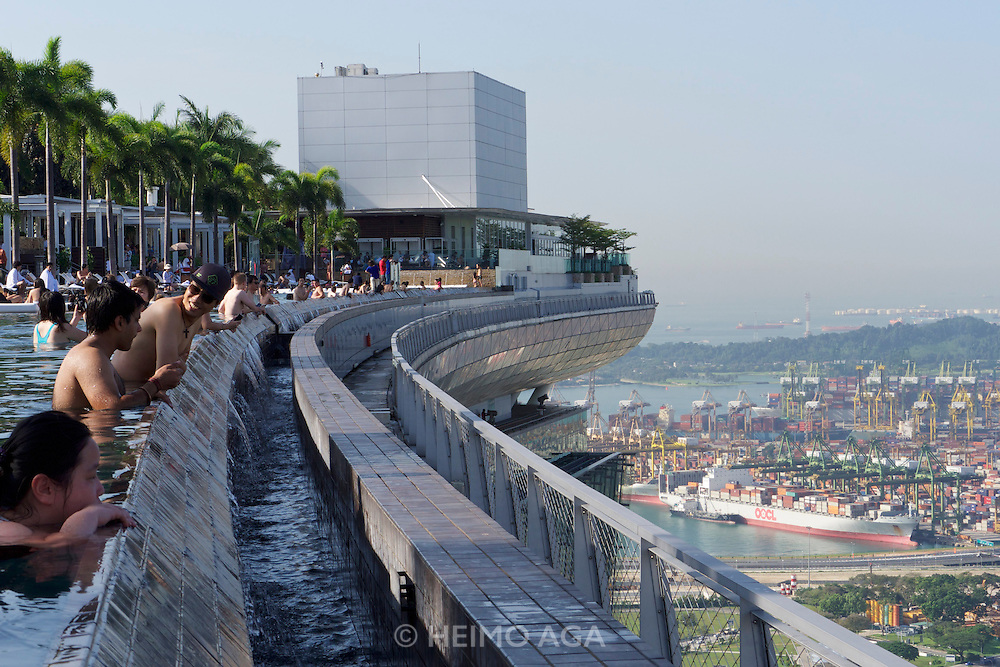 Singapore heimo aga photography - Marina bay sands resort singapore swimming pool ...