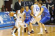 DESCRIZIONE : Sassari Lega A2 2009-10 Final Four Coppa Italia Semifinale Banco di Sardegna Sassari Enel Brindisi<br /> GIOCATORE : Jason Rowe<br /> SQUADRA : Banco di Sardegna Sassari<br /> EVENTO : Campionato Lega A2 2009-2010<br /> GARA : Banco di Sardegna Sassari Enel Brindisi<br /> DATA : 06/03/2010<br /> CATEGORIA : Palleggio Blocco<br /> SPORT : Pallacanestro<br /> AUTORE : Agenzia Ciamillo-Castoria/GiulioCiamillo<br /> Galleria : Lega Basket A2 2009-2010  <br /> Fotonotizia : Sassari Lega A2 2009-2010 Final Four Coppa Italia Semifinale Banco di Sardegna Sassari Enel Brindisi<br /> Predefinita :