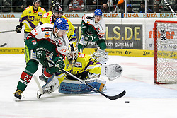 04.01.2015, Curt Frenzel Stadion, Augsburg, GER, DEL, Augsburger Panther vs Krefeld Pinguine, 35. Runde, im Bild l-r: im Zweikampf, Aktion, mit Ivan Ciernik #27 (Augsburger Panther) und Tomas Duba #70 (Krefeld Pinguine) // during Germans DEL Icehockey League 35th round match between Augsburger Panther and Krefeld Pinguine at the Curt Frenzel Stadion in Augsburg, Germany on 2015/01/04. EXPA Pictures © 2015, PhotoCredit: EXPA/ Eibner-Pressefoto/ Kolbert<br /> <br /> *****ATTENTION - OUT of GER*****
