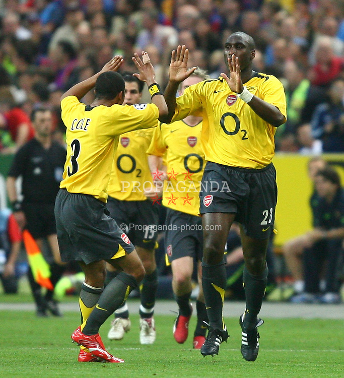 PARIS, FRANCE - WEDNESDAY, MAY 17th, 2006: Arsenal's Sol Campbell celebrates scoring the opening goal with team-mate Ashley Cole against FC Barcelona during the UEFA Champions League Final at the Stade de France. (Pic by David Rawcliffe/Propaganda)