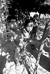 BANGLADESH COX'S BAZAAR DISTRICT UKHIA FEB95 - Children from the buddhist Chakma tribe shelter from the sun in a bamboo hut...jre/Photo by Jiri Rezac..© Jiri Rezac 1995
