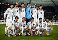 Fotball<br /> VM-kvalifisering play off<br /> Slovenia v Russland<br /> 18.11.2009<br /> Foto: Gepa/Digitalsport<br /> NORWAY ONLY<br /> <br /> Lagbilde Slovenia - Bild zeigt die Mannschaft von Slowenien mit Zlatko Dedic, Marko Suler, Bostjan Cesar, Samir Handanovic, Milivoje Novakovic, Valter Birsa (stehend von links), Aleksander Radosavljevic, Miso Brecko, Robert Koren, Andraz Kirmund Bojan Jokic (SLO/ hockend von links)