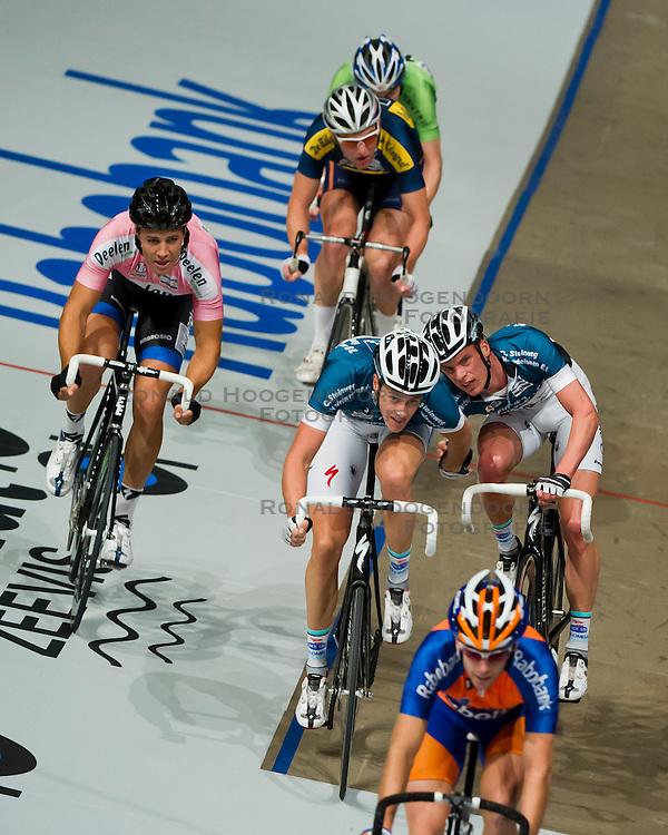06-01-2012 WIELRENNEN: RABOBANK ZESDAAGSE: ROTTERDAM<br /> (L-R) Jeff Vermeulen, Niki Terpstra, Iljo Keisse<br /> (c)2012-FotoHoogendoorn.nl / Peter Schalk