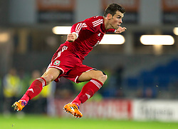 16.11.2013, Cardiff City Stadium, Cardiff, WAL, Fussball Testspiel, Wales vs Finnland, im Bild Wales' Gareth Bale, action against Finland // during the international friendly match between Wales and Finland at the Cardiff City Stadium in Cardiff, Great Britain on 2013/11/17. EXPA Pictures © 2013, PhotoCredit: EXPA/ Propagandaphoto/ Kieran McManus<br /> <br /> *****ATTENTION - OUT of ENG, GBR*****