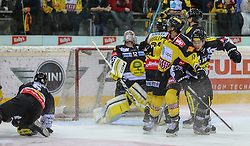 30.01.2015, Albert Schultz Eishalle, Wien, AUT, EBEL, UPC Vienna Capitals vs Dornbirner Eishockey Club, 43. Runde, im Bild Jonathan D Aversa (Dornbirner Eishockey Club), Nathan Lawson (Dornbirner Eishockey Club) , Julian Grosslercher (UPC Vienna Capitals) , Nicolas Deschamps (UPC Vienna Capitals) und Ryan Kinasewich (Dornbirner Eishockey Club) // during the Erste Bank Icehockey League 43th round match between UPC Vienna Capitals and Dornbirner Eishockey Club at the Albert Schultz Ice Arena in Vienna, Austria on 2015/01/30. EXPA Pictures © 2015, PhotoCredit: EXPA/ Alexander Forst