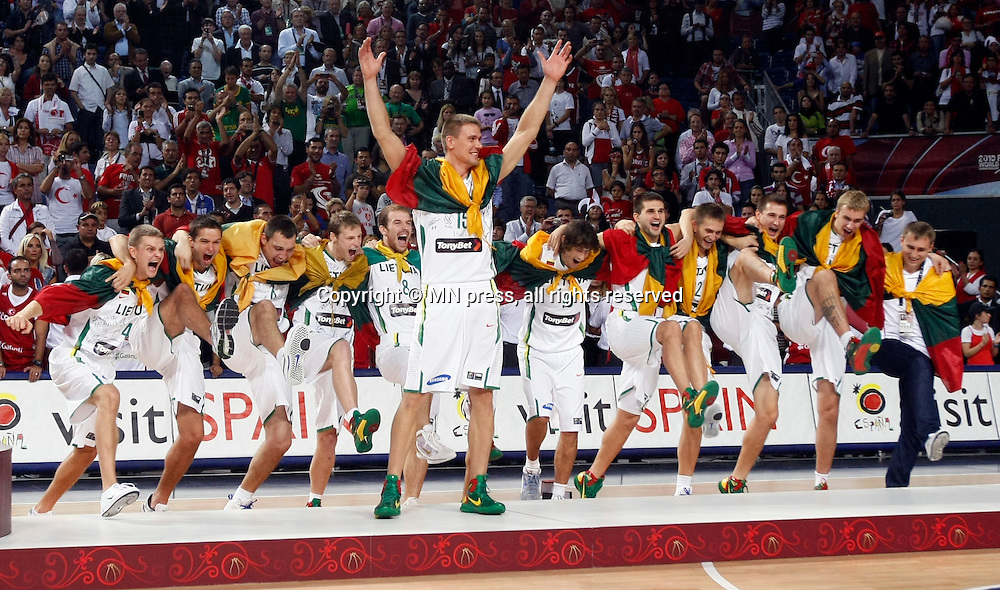 Turkey vs USA, Day 16 of the<br /> 2010 FIBA World Championship<br /> in Istanbul, Turkey, 12 September<br /> 2010, First place / Gold medal game<br /> Lithuania bronze medal<br /> photo: M.Metlas