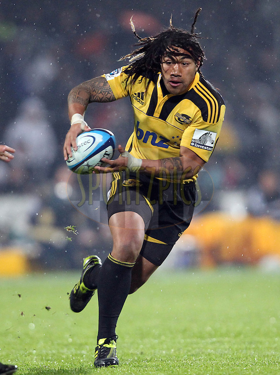 Ma'a Nonu on the attack for the Hurricanes..Investec Super Rugby - Highlanders v Hurricanes, 13 May 2011, Rugby Park, Invercargill, New Zealand..Photo: Rob Jefferies / www.photosport.co.nz