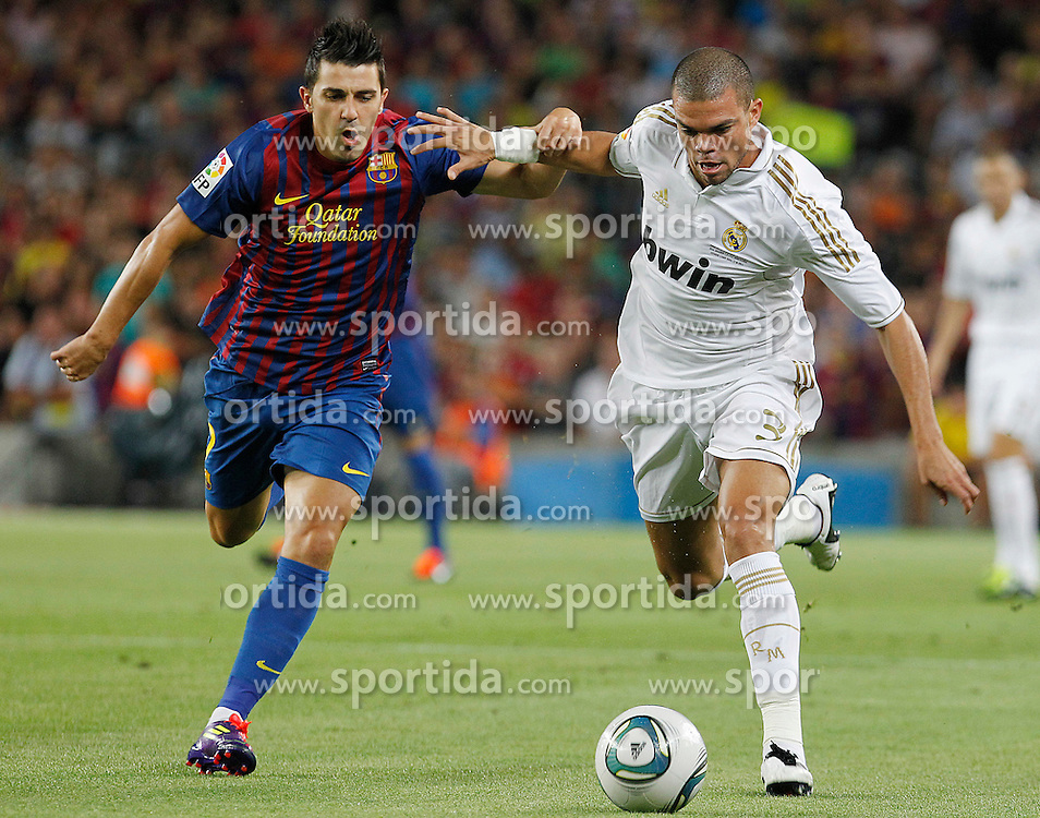 17.08.2011, Camp Nou, Barcelona, ESP, Supercup 2011, FC Barcelona vs Real Madrid, im Bild FC Barcelona's David Villa (l) and Real Madrid's Pepe during Spanish Supercup 2nd match.August 17,2011. EXPA Pictures © 2011, PhotoCredit: EXPA/ Alterphotos/ Acero +++++ ATTENTION - OUT OF SPAIN / ESP +++++