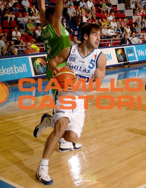 DESCRIZIONE : Belgrado Eurobasket Men 2005 Slovenia-Grecia<br /> GIOCATORE : Spanoulis<br /> SQUADRA : Grecia Greece<br /> EVENTO : Eurobasket Men 2005 Campionati Europei Uomini 2005<br /> GARA : Grecia Slovenia Greece Slovenia<br /> DATA : 17/09/2005<br /> CATEGORIA :<br /> SPORT : Pallacanestro<br /> AUTORE : Ciamillo&amp;Castoria/Fiba Europe Pool