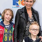 NLD/Amsterdam/20140406 - Inloop filmpremière Rio 2, Tanja Jess en kinderen Billy Charles, Bobby