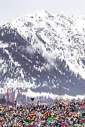 02.02.2019, Heini Klopfer Skiflugschanze, Oberstdorf, GER, FIS Weltcup Skiflug, Oberstdorf, im Bild zuschauer vor den Bergen // spectaorts infront of moountains during his Jump of FIS Ski Jumping World Cup at the Heini Klopfer Skiflugschanze in Oberstdorf, Germany on 2019/02/02. EXPA Pictures © 2019, PhotoCredit: EXPA/ JFK