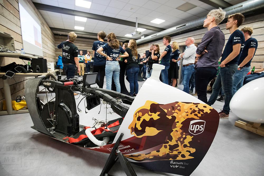 In Delft kijkt het Human Power Team, dat bestaat uit studenten van de TU Delft en de VU Amsterdam, terug op een geslaagd jaar. In september haalde Aniek Rooderkerken een nieuw Nederlands snelheidsrecord met 121,52 km/h. Net te kort voor het wereldrecord dat staat op 121,8 km/h.