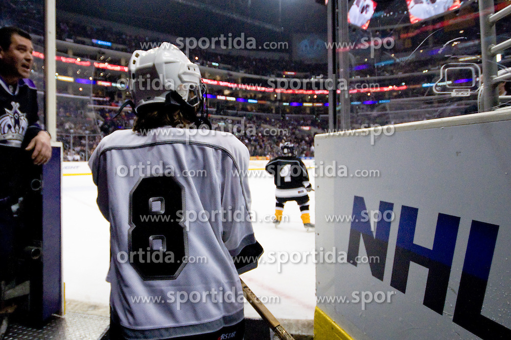 Kids playing hockey between periods during ice-hockey match between Los Angeles Kings and Colorado Avalanche in NHL league, February 26, 2011 at Staples Center, Los Angeles, USA. (Photo By Matic Klansek Velej / Sportida.com)