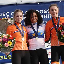04-11-2018: Wielrennen: EK veldrijden: Rosmalen<br />Ceylin del Carmen Alvarado pakt overtuigend de Europese titel voor Inge van der Heijden en Fleur Nagengast
