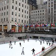 Ice skating at the ice rink at the Rockefeller Center  Manhattan, New York, USA. Photo Tim Clayton