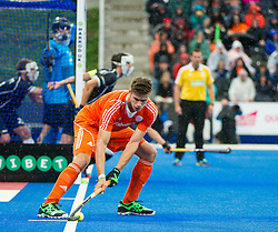 The Netherlands Jeroen Hertzberger prepares to inject a penalty corner. The Netherlands v Germany - Final Unibet EuroHockey Championships, Lee Valley Hockey & Tennis Centre, London, UK on 29 August 2015. Photo: Simon Parker