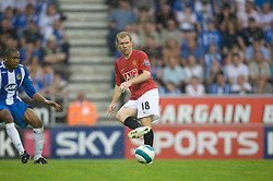 WIGAN, ENGLAND - Sunday, May 11, 2008: Manchester United's Paul Scholes in action against Wigan Athletic during the final Premiership match of the season at the JJB Stadium. (Photo by David Rawcliffe/Propaganda)