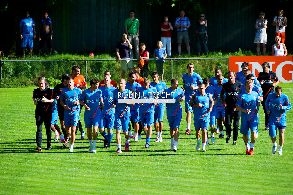 The Dutch team during the training for the trainingcamp of the Netherlands national football team in Hoenderloo on May 28, 2012. AFP PHOTO/ ROBIN UTRECHT
