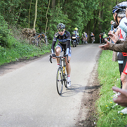 WIELRENNEN Rijssen, de 62e ronde van Overijssel werd op zaterdag 3 mei verreden. Jelle Wolsink kwam als eerste op de Tankenberg