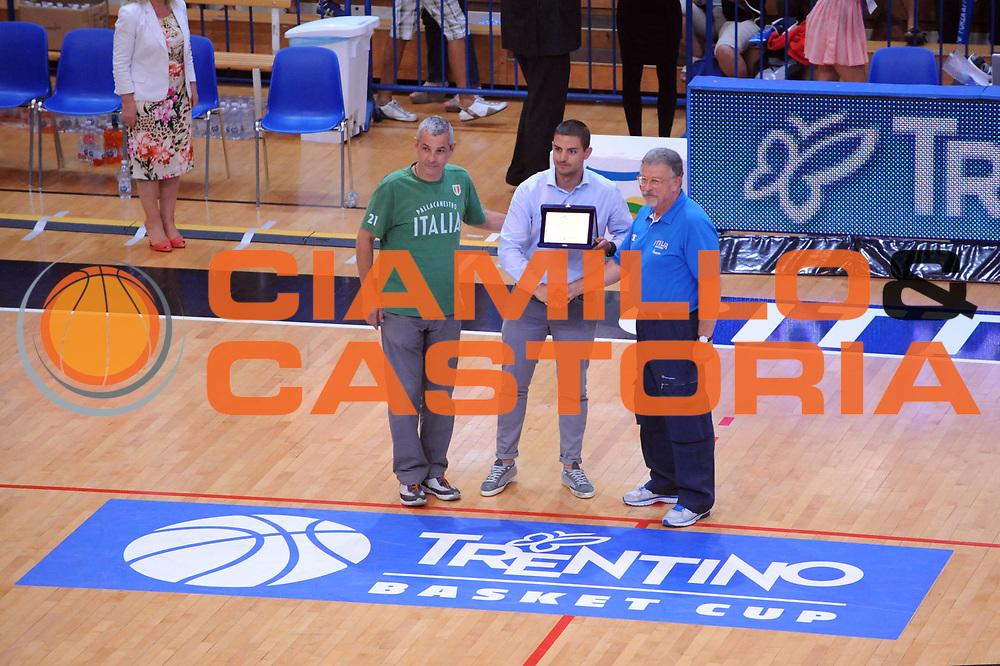 DESCRIZIONE : Trento Trentino Basket Cup Italia Polonia<br /> GIOCATORE : Premiazione<br /> CATEGORIA : Premiazione<br /> SQUADRA : Nazionale Italia Maschile<br /> EVENTO :  Trento Trentino Basket Cup<br /> GARA : Italia Polonia<br /> DATA : 09/08/2013<br /> SPORT : Pallacanestro<br /> AUTORE : Agenzia Ciamillo-Castoria/Max.Ceretti<br /> Galleria : FIP Nazionali 2013<br /> Fotonotizia : Trento Trentino Basket Cup Italia Israele<br /> Predefinita :