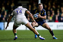 Perry Humphreys of Worcester Warriors takes on Belgium Tuatagaloa of London Irish - Mandatory by-line: Robbie Stephenson/JMP - 28/12/2019 - RUGBY - Sixways Stadium - Worcester, England - Worcester Warriors v London Irish - Gallagher Premiership Rugby