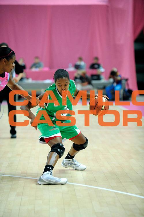 DESCRIZIONE : Ligue Feminine de Basket Ligue  1 Journee &agrave; Paris<br /> GIOCATORE : THOMAS Bianca<br /> SQUADRA : Challes-les-Eaux<br /> EVENTO : Ligue Feminine 2010-2011<br /> GARA : Arras &ndash; Challes-les-Eaux<br /> DATA : 16/10/2010<br /> CATEGORIA : Basketbal France Ligue Feminine<br /> SPORT : Basketball<br /> AUTORE : JF Molliere par Agenzia Ciamillo-Castoria <br /> Galleria : France Basket 2010-2011 Action<br /> Fotonotizia : Ligue Feminine de Basket Ligue 1 Journee &agrave; Paris<br /> Predefinita :