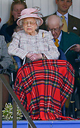 Exclusive! Queen Elizabeth Dozes-Off