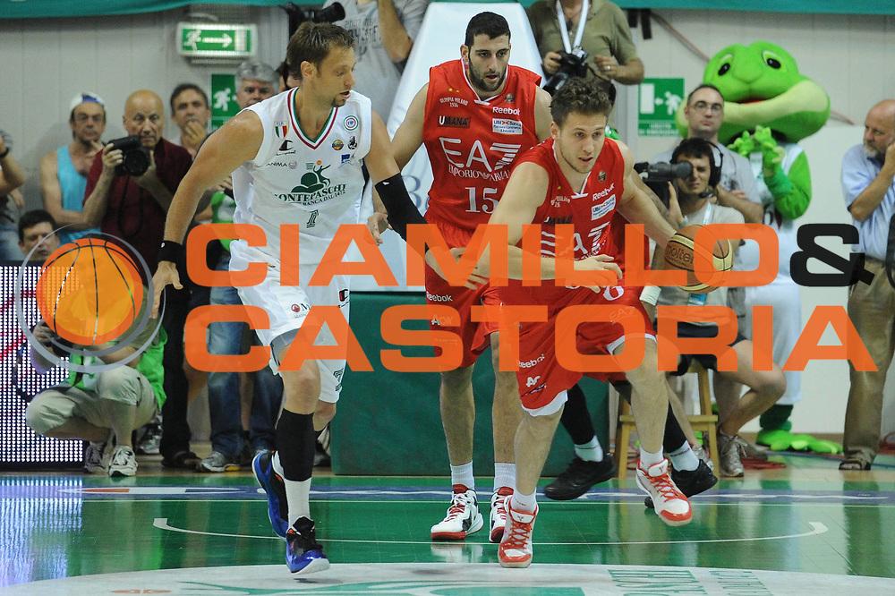 DESCRIZIONE : Siena Lega A 2011-12 Montepaschi Siena EA7 Emporio Armani Milano Finale scudetto gara 5<br /> GIOCATORE : Stefano Mancinelli<br /> CATEGORIA: contropiede sequenza<br /> SQUADRA : EA7 Emporio Armani Milano<br /> EVENTO : Campionato Lega A 2011-2012 Finale scudetto gara 5<br /> GARA : Montepaschi Siena EA7 Emporio Armani Milano<br /> DATA : 17/06/2012<br /> SPORT : Pallacanestro <br /> AUTORE : Agenzia Ciamillo-Castoria/GiulioCiamillo<br /> Galleria : Lega Basket A 2011-2012  <br /> Fotonotizia : Siena Lega A 2011-12 Montepaschi Siena EA7 Emporio Armani Milano Finale scudetto gara 5<br /> Predefinita :