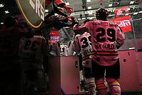 GET-ligaen Ice Hockey, 27. october 2016 ,  Stavanger Oilers v Stjernen<br /> Mark Van Guilder fra Stavanger Oilers i løpet av pause mot Stjernen<br /> Foto: Andrew Halseid Budd , Digitalsport