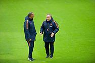 KATWIJK - Coach Dick Advocaat en assistent Ruud Gullit tijdens de training van het Nederlands Elftal. Oranje is in voorbereiding voor de WK kwalificatie wedstrijd tegen Luxemburg.  copyright robin utrecht