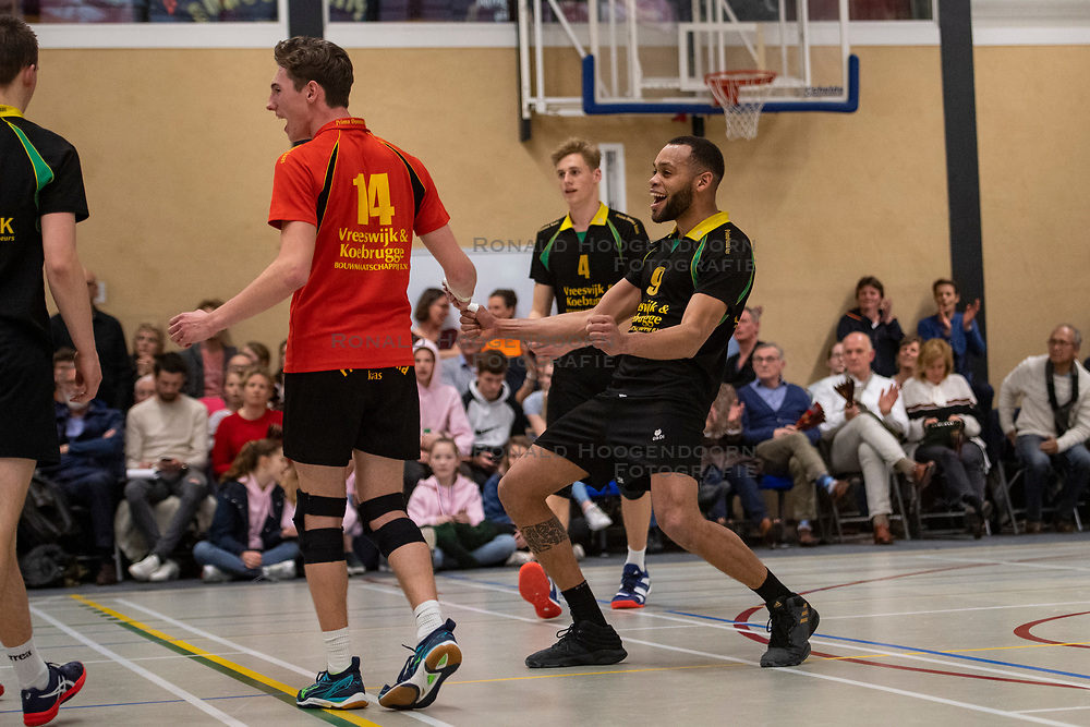 13-04-2019 NED: Prima Donna Kaas Huizen - Spaarnestad , Huizen<br /> Huizen win the match 3-2 and is the champion of the second division C / Derwin Colina #9 of PDK Huizen, Lars Hogeveen #13 of PDK Huizen