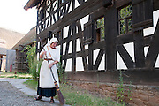 Museumsbaeuerin (MODEL RELEASED), Freilichtmuseum Kommern, Naturpark Hohes Venn, Eifel, Nordrhein-Westfalen, Deutschland.|.woman (MODEL RELEASED), open air museum  in Kommern, Eifel, North Rhine-Westphalia, Germany