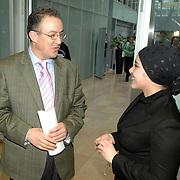 NLD/Amsterdam/20070308 - Presentatie KRO programma Teams Up, Ahmed Aboutaleb in gesprek met een marrokaaans meisje