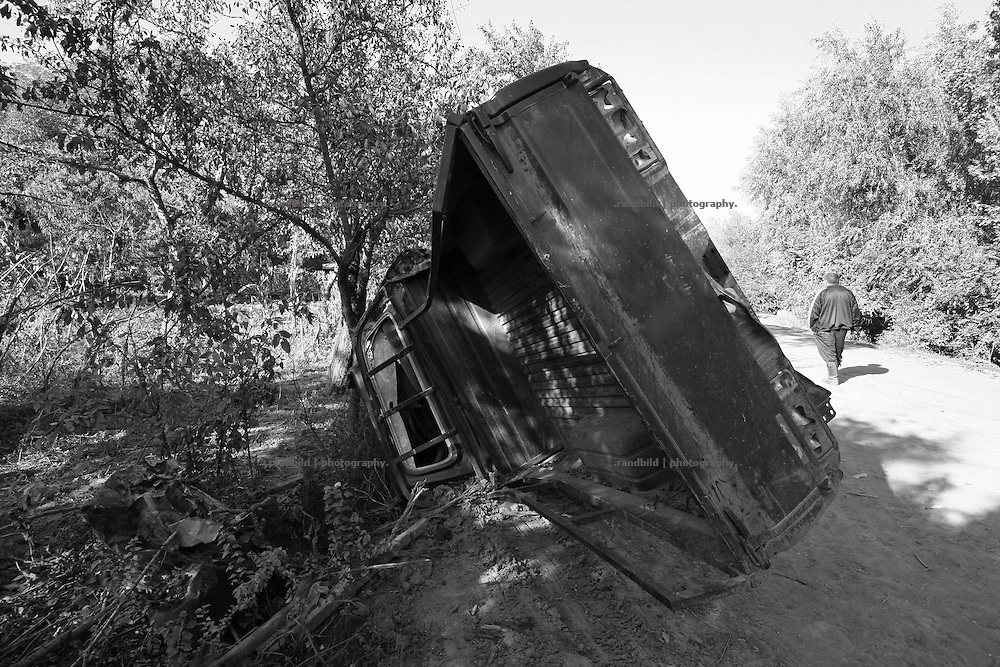 A burnt out georgian military vehicle in Zemo Nikozi, locatd in the so called bufferzone between Gori and Tskhinvali, few days after the withdrawal of the russian forces from the area. The bufferzone was etablished after a short war in August 2008 as the georgian army assulted South Ossetia to overthrow the local separatist government.