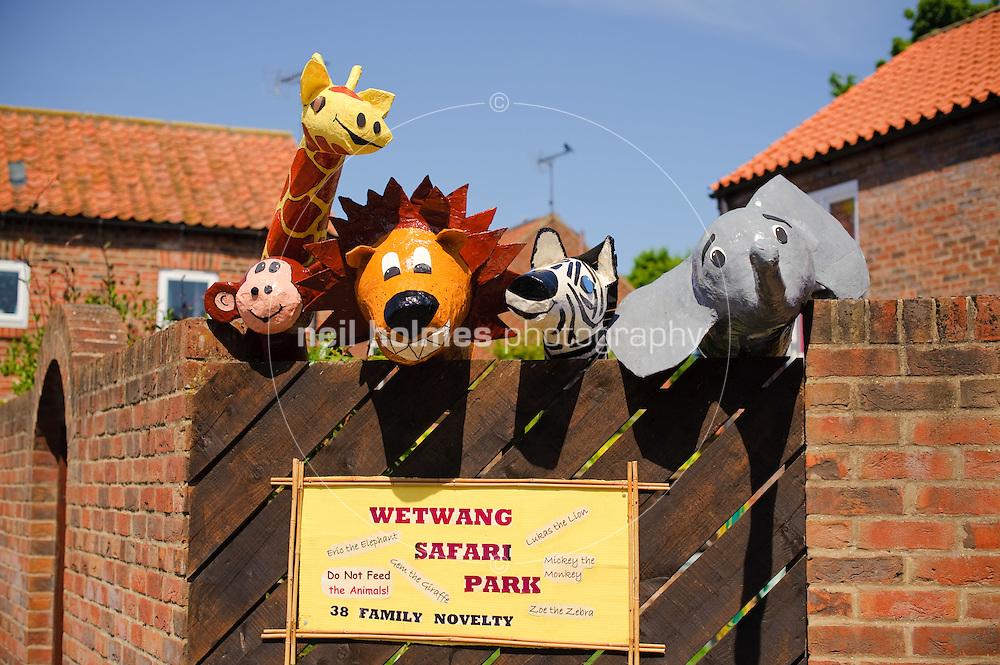 Wetwang Safari Park,Wetwang Scarecrow Festival 2009