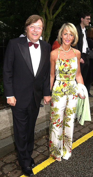 MR DAVID MELLOR and PENNY, VISCOUNTESS COBHAM,<br />  at a party in London on 5th July 2000.OGB 101<br /> &copy; Desmond O&rsquo;Neill Features:- 020 8971 9600<br />    10 Victoria Mews, London.  SW18 3PY <br /> www.donfeatures.com   photos@donfeatures.com<br /> MINIMUM REPRODUCTION FEE AS AGREED.<br /> PHOTOGRAPH BY DOMINIC O'NEILL