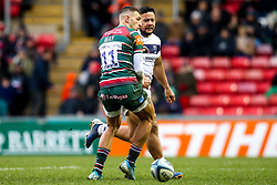 Alapati Leiua of Bristol Bears nutmegs Jonny May of Leicester Tigers - Mandatory by-line: Robbie Stephenson/JMP - 04/01/2020 - RUGBY - Welford Road - Leicester, England - Leicester Tigers v Bristol Bears - Gallagher Premiership Rugby
