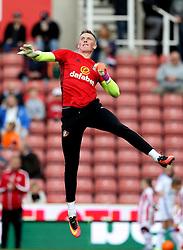 Jordan Pickford of Sunderland warms up - Mandatory by-line: Robbie Stephenson/JMP - 15/10/2016 - FOOTBALL - Bet365 Stadium - Stoke-on-Trent, England - Stoke City v Sunderland - Premier League