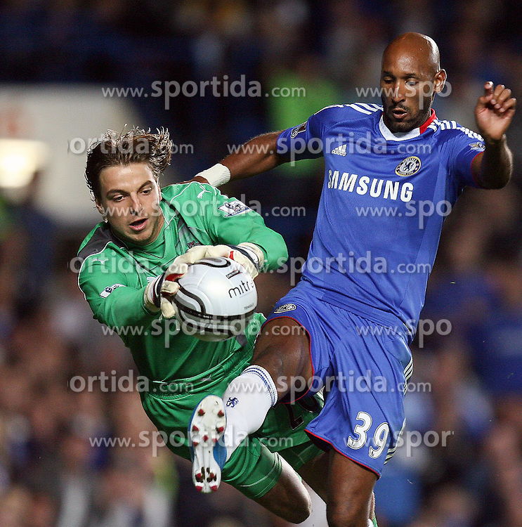 22.09.2010, Stamford Bridge, London, ENG, Carling Cup, Chelsea FC vs Newwcastle United im Bild Newcastle United's Tim Krul  and  Chelsea's Nicolas Anelka, EXPA Pictures © 2010, PhotoCredit: EXPA/ IPS/ M. Atkins *** ATTENTION *** UK AND FRANCE OUT! / SPORTIDA PHOTO AGENCY