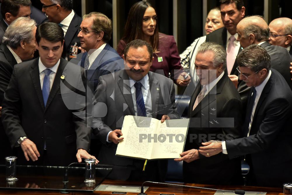 BRASÍLIA, DF, 31.08.2016 – POSSE-TEMER – Cerimônia de pose presidencial de Michel Temer, no Plenário do Senado Federal, na tarde desta quarta-feira, 31 (Foto: Ricardo Botelho/Brazil Photo Press)