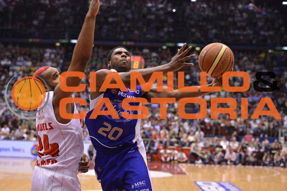 DESCRIZIONE : Milano Lega Basket Serie A 2013-2014 EA7 EMPORIO ARMANI OLIMPIA MILANO - ACQUA VITASNELLA CANTU'<br /> GIOCATORE : Joe Ragland<br /> CATEGORIA : TIRI<br /> SQUADRA : ACQUA VITASNELLA CANTU' <br /> EVENTO : Campionato Lega Basket Serie A 2013-2014<br /> GARA : EA7 EMPORIO ARMANI OLIMPIA MILANO - ACQUA VITASNELLA CANTU' <br /> DATA : 06/04/14 <br /> SPORT : Pallacanestro <br /> AUTORE : Agenzia Ciamillo-Castoria/L.sonzogni <br /> Galleria : Lega Basket Serie A 2013-2014