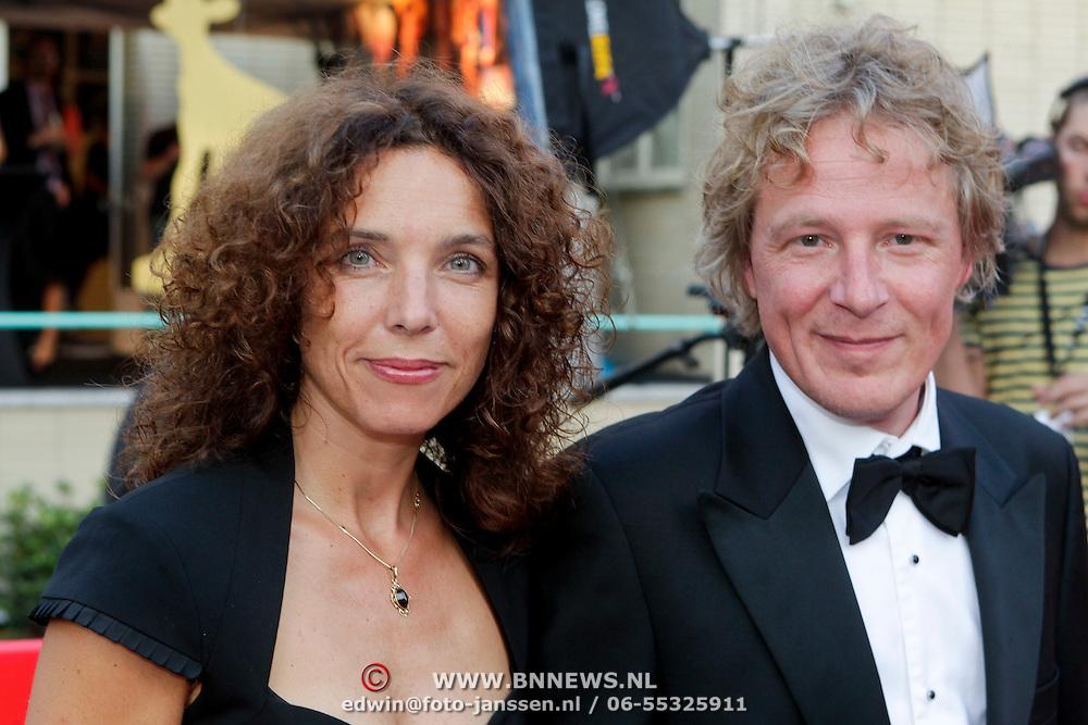NLD/Utrecht/20110930 - NFF 2011 - Inloop Gouden Kalveren 2011, Paula van der Oest en partner