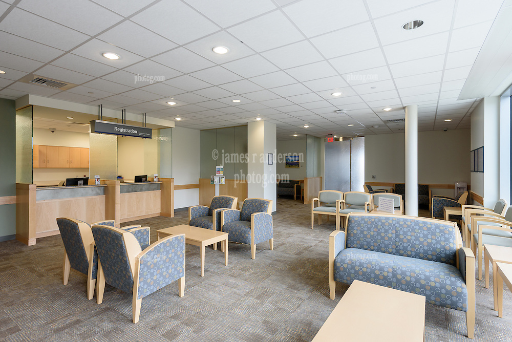 Yale-New Haven Health Park Avenue Medical Center. Architect: Shepley Bulfinch. Contractor: Gilbane Building Company, Glastonbury, CT. James R Anderson Photography, New Haven CT photog.com. Date of Photograph 4 May 2016  Submission 25  © James R Anderson. Reception and Waiting Area, Third Floor North.