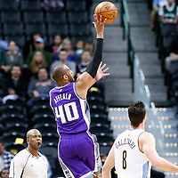 06 March 2017: Sacramento Kings guard Arron Afflalo (40) goes for the jump shot during the Denver Nuggets 108-96 victory over the Sacramento Kings, at the Pepsi Center, Denver, Colorado, USA.