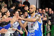 DESCRIZIONE : Beko Legabasket Serie A 2015- 2016 Dinamo Banco di Sardegna Sassari - Openjobmetis Varese<br /> GIOCATORE : David Logan<br /> CATEGORIA : Ritratto Esultanza Postgame Ultras Tifosi Spettatori Pubblico<br /> SQUADRA : Dinamo Banco di Sardegna Sassari<br /> EVENTO : Beko Legabasket Serie A 2015-2016<br /> GARA : Dinamo Banco di Sardegna Sassari - Openjobmetis Varese<br /> DATA : 07/02/2016<br /> SPORT : Pallacanestro <br /> AUTORE : Agenzia Ciamillo-Castoria/C.Atzori